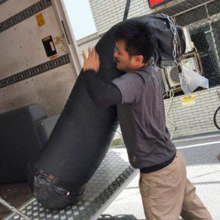 どんな重い荷物、出しにくい荷物も当店にお任せください。